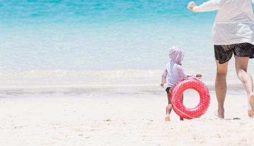 海やプールにスマホを持ち込む際に便利なアイテムと注意点